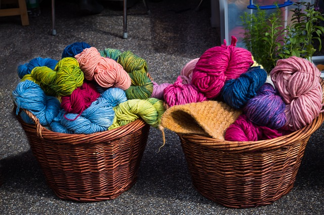 barevná vlna v košíku